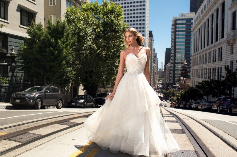 1 wedding gowns in dubai from vanila wedding shop dubai for Helen miller wedding dresses