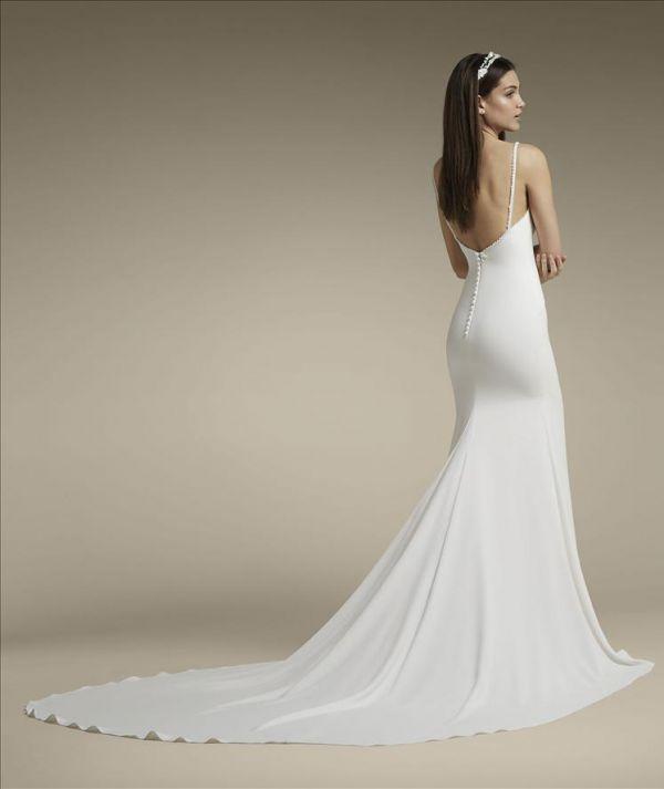 1 Wedding Shop Dubai, Bridal Showroom Dubai & Boutique VANILA