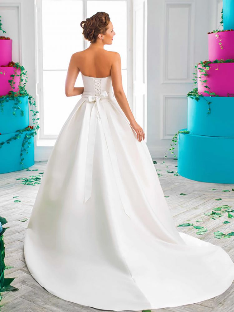 Helen miller asconti for Helen miller wedding dresses