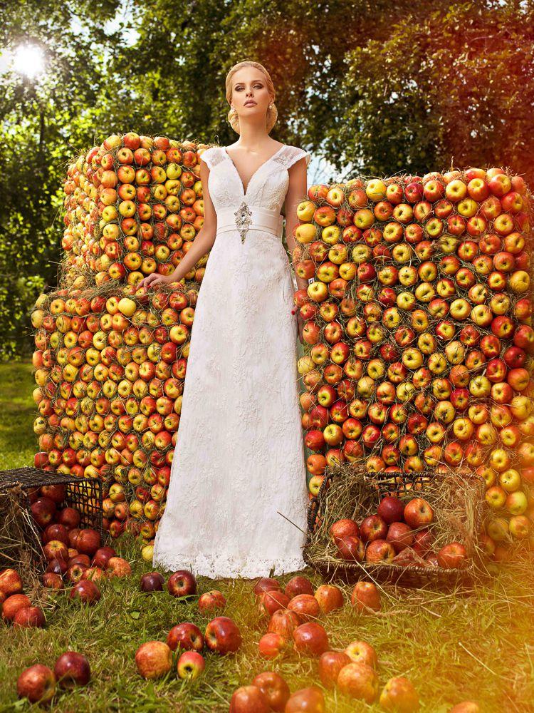 Helen miller teylor for Helen miller wedding dresses